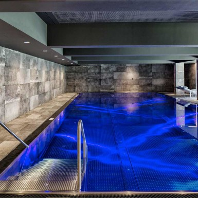 sporthotel-silvretta-innenarchitektur-stranger-pool