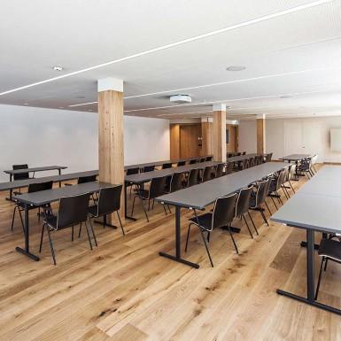 sporthotel-silvretta-innenarchitektur-stranger-seminarraum