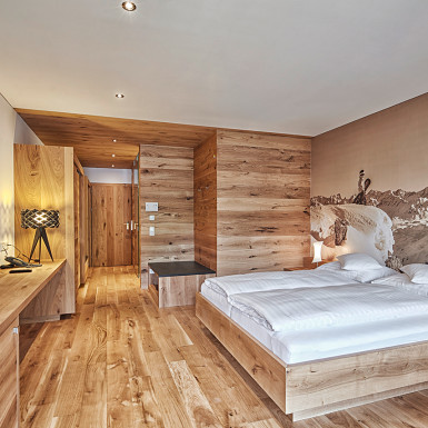 sporthotel-silvretta-innenarchitektur-stranger-suite